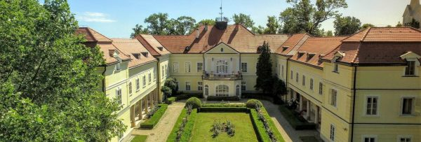 Castle Hotel Szidonia