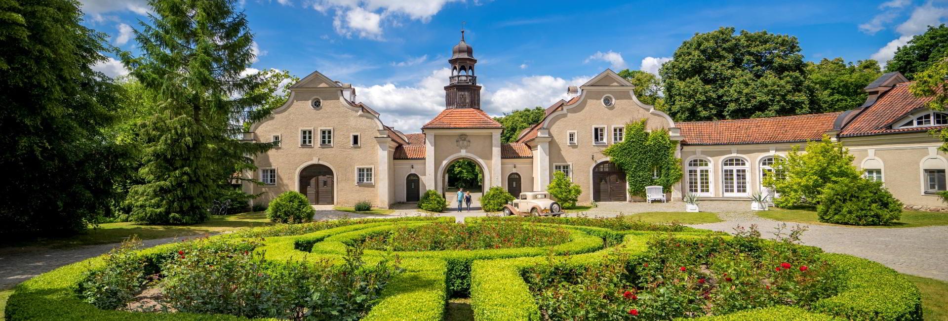 Palac i Folwark Galiny in Bartoszyce, Poland