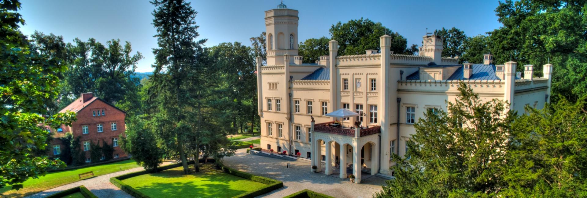 Mierzecin Palace in Dobiegniew