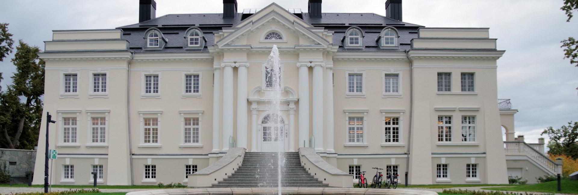 Komierowo Palace in Sepolno Krajenskie