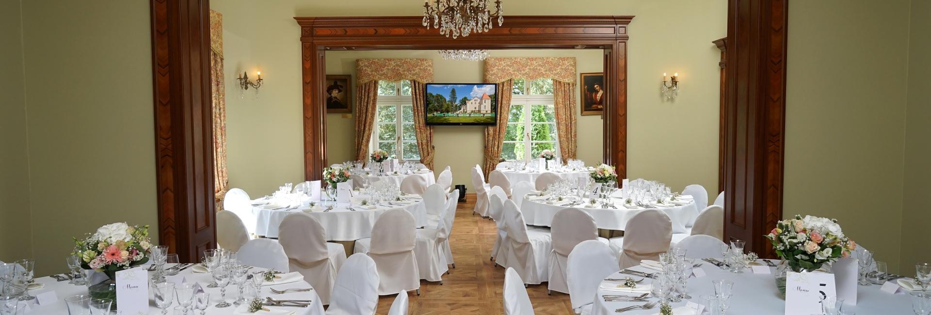 Wedding at Pacoltowo Palace, Poland